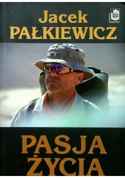 Pasja życia plus dedykacja Pałkiewicza