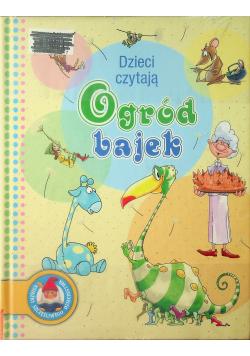Ogród bajek Dzieci czytają