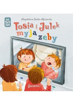 Tosia i Julek myją zęby